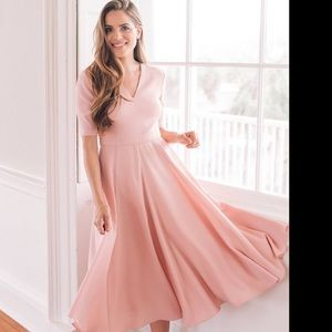 Gal Meets Glam Pink Crepe Midi Dress